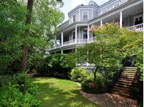 Einfamilienhaus for sales at Harth-Macbeth House 9 Legare Street   Charleston, South Carolina 29401 Vereinigte Staaten