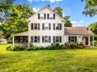Maison unifamiliale for sales at Restored Farmhouse Charm 31 Cherry Street  Wenham, Massachusetts 01984 États-Unis