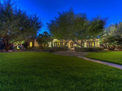 Nhà ở một gia đình for sales at Exquisite Home in Exclusive Guard Gated Casa Blanca Estates 5330 N Kasba Circle Paradise Valley, Arizona 85253 Hoa Kỳ