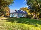 Maison unifamiliale for sales at Contemporary Cape 82 Blueberry Lane  Hamilton, Massachusetts 01982 États-Unis