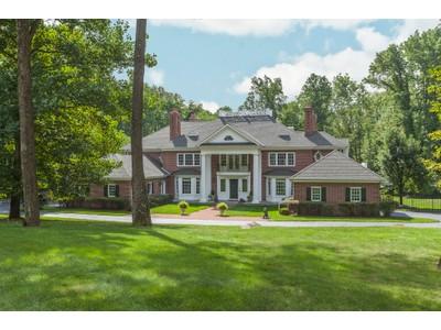 Casa Unifamiliar for sales at An Ambience Of Symmetry 66 Bogart Court Princeton, Nueva Jersey 08540 Estados Unidos