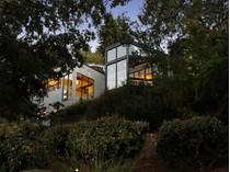 一戸建て for sales at Asian Inspired Modern Masterpiece 3940 Skyfarm Drive   Santa Rosa, カリフォルニア 95403 アメリカ合衆国