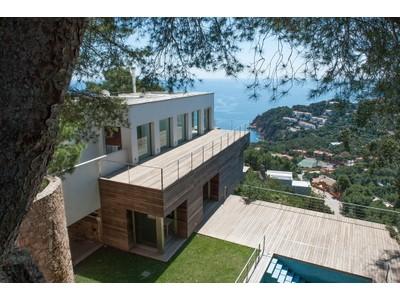 Vivienda unifamiliar for sales at Moderna villa con espectaculares vistas al mar en Tamariu  Tamariu, Costa Brava 17255 España