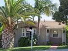 Casa Unifamiliar for  sales at 4510 Brighton Ave.  San Diego, California 92107 Estados Unidos