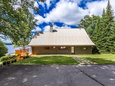 Single Family Home for sales at Saint-Donat 308 Ch. Hector-Bilodeau Saint-Donat, Quebec J0T2C0 Canada