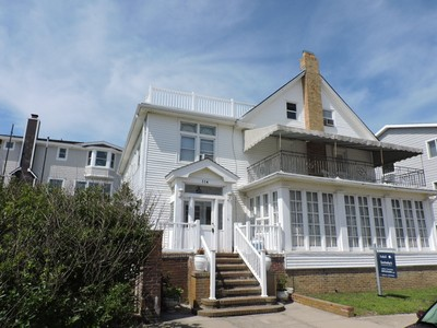 獨棟家庭住宅 for sales at 114 S. Portland Ave 114 S. Portland Avenue OCEAN FRONT Ventnor City, 新澤西州 08406 美國