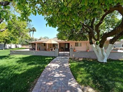 Частный односемейный дом for sales at Arcadia Charm In The Heart Of Paradise Valley With Camelback Mountain Views 6802 E Bonita Drive Paradise Valley, Аризона 85253 Соединенные Штаты