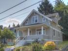 Maison unifamiliale for  sales at Charming Craftsman Home 1367 Kensington Ave   Astoria, Oregon 97103 États-Unis