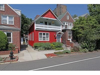 Vivienda unifamiliar for sales at Mint Move-in Ready Gorgeous Home 3641 Tibbett Avenue Riverdale, Nueva York 10463 Estados Unidos