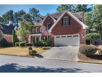 Casa Unifamiliar for sales at Gorgeuous Four Bedroom Traditional Home 1772 Emory Ridge Drive NE  Atlanta, Georgia 30329 Estados Unidos