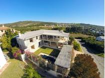 Nhà ở một gia đình for sales at A beach home with room to play  Plettenberg Bay, Western Cape 6600 Nam Mỹ
