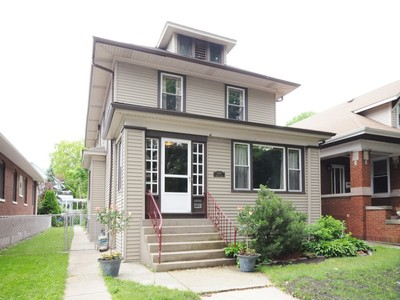 Einfamilienhaus for sales at Classic Home in Ravenswood 2639 W Wilson Avenue Chicago, Illinois 60625 Vereinigte Staaten