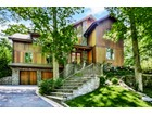 独户住宅 for  sales at Luxurious, Modern and Spacious 7 Durham Road Larchmont, 纽约州 10538 美国