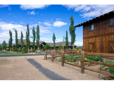 Single Family Home for sales at Spectacular Deschutes River Ranch Home 20450 Arrowhead Drive Bend, Oregon 97701 United States