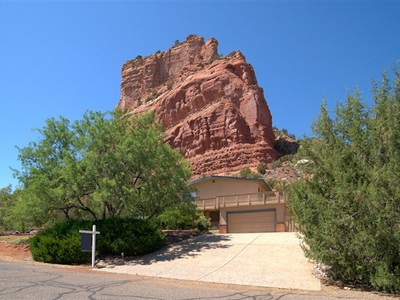 Maison unifamiliale for sales at Supreme Sedona Location 30 Beaver Creek Drive Sedona, Arizona 86351 États-Unis