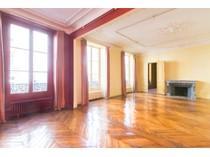 Частный односемейный дом for sales at Bac KZ    Paris, Париж 75007 Франция