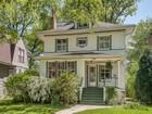 Einfamilienhaus for sales at Gracious, East Wilmette Four Square 1017 Greenleaf Avenue Wilmette, Illinois 60091 Vereinigte Staaten