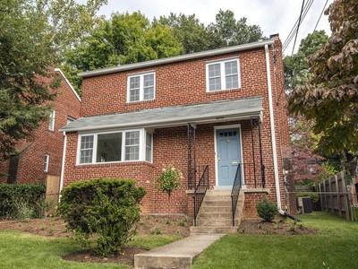 Vivienda unifamiliar for sales at AU Park 4839 Yuma Street Nw  Washington, Distrito De Columbia 20016 Estados Unidos