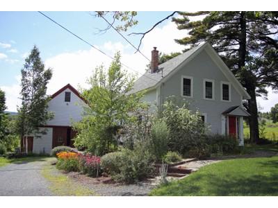 Moradia for sales at Antique Farmhouse 130 Sutton Road  New London, New Hampshire 03257 Estados Unidos