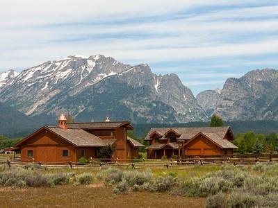 Casa para uma família for sales at Majestic Views Adjacent to National Park 1155 E South Meadow Road North Jackson Hole, Wyoming 83012 Estados Unidos