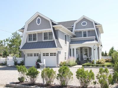 Maison unifamiliale for sales at Spectacular Nantucket Style Home 1123 Barnegate Lane   Mantoloking, New Jersey 08738 États-Unis