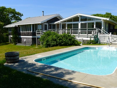 Moradia for sales at Chilmark Beach House with Pool 6 Trails End  Chilmark, Massachusetts 02535 Estados Unidos