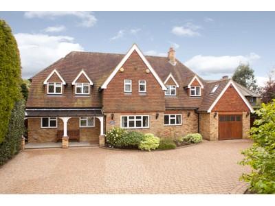 Maison unifamiliale for sales at 33 Oxshott Way Other England, Angleterre Royaume-Uni