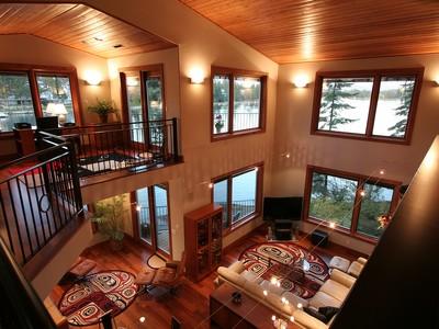 Casa Unifamiliar for sales at Amazing Location on Spokane River 8817 W RIVERVIEW DR Coeur D Alene, Idaho 83814 Estados Unidos