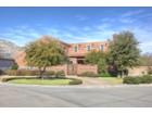 Vivienda unifamiliar for  sales at 435 Wyndham Crest    Fort Worth, Texas 76114 Estados Unidos