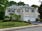 Casa para uma família for  rentals at 135 Woodcliff Boulevard    Morganville, Nova Jersey 07751 Estados Unidos