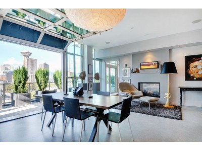 Nhà chung cư for sales at Iconic Crosstown Penthouse 701-546 Beatty Street  Vancouver, British Columbia V6B2L3 Canada