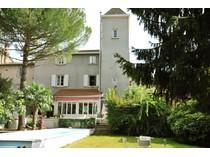 Vivienda unifamiliar for sales at FONTAINES SUR SOANE - MAISON DE VILLAGE RESTAUREE FONTAINES SUR SAONE Other Rhone-Alpes, Ródano-Alpes 69270 Francia