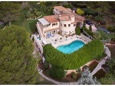 Maison unifamiliale for sales at Sole Agents - Private Estate - Spacious Country House for sale in Mougins  Mougins, Provence-Alpes-Cote D'Azur 06250 France