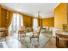 Casa Unifamiliar for  sales at Suffren PM    Paris, Paris 75007 Francia