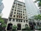 共管物業 for sales at Two bedroom Three bath Streeterville Apartment 257 E Delaware Place Unit 10A   Chicago, 伊利諾斯州 60611 美國