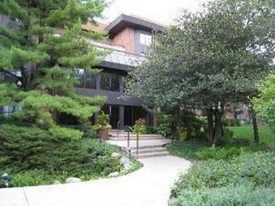 Eigentumswohnung for sales at 1409 Burr Oak Rd, 404A 1409 Burr Oak Rd #404A Hinsdale, Illinois 60521 Vereinigte Staaten