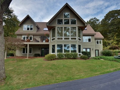 Einfamilienhaus for sales at Sun Filled Contemporary 104 River Road  Essex, Connecticut 06426 Vereinigte Staaten