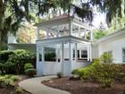 Einfamilienhaus for sales at 97 Samara Dr.    Shrewsbury, New Jersey 07702 Vereinigte Staaten