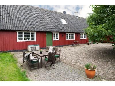 农场 / 牧场 / 种植园 for sales at Ryttargården: a farmstead dating back to the 18th century Billebergavägen 24 Other Skane, Skane 26194 瑞典