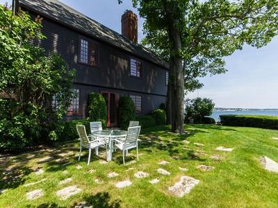 Casa para uma família for sales at Stately Oceanfront Home 65 Dolliver Neck Road Gloucester, Massachusetts 01930 Estados Unidos