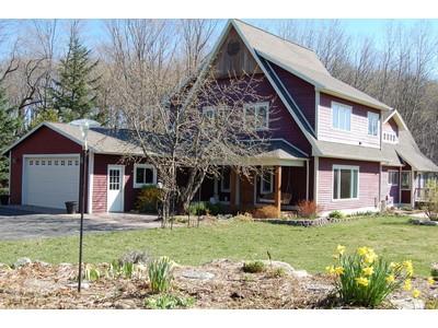 Casa para uma família for sales at Winter-Water-Wonderland 2565 Townsend Road Petoskey, Michigan 49770 Estados Unidos
