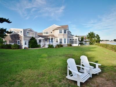 独户住宅 for sales at Waterfront Nantucket Colonial 14 Sea Lane Old Saybrook, 康涅狄格州 06475 美国