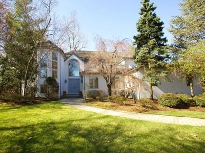 Moradia for sales at Prime Estate Area 55 Hamilton Drive E North Caldwell, Nova Jersey 07006 Estados Unidos