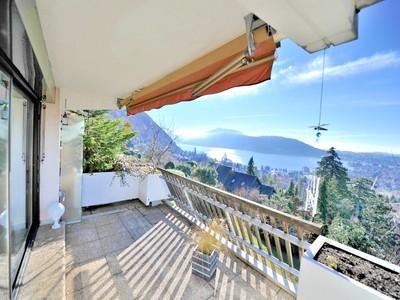 Maison unifamiliale for sales at Appartement face au lac  Other Rhone-Alpes, Rhone-Alpes 74940 France