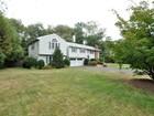 Maison unifamiliale for  sales at Oversized Split Entry 75 Stanford Drive Westwood, Massachusetts 02090 États-Unis