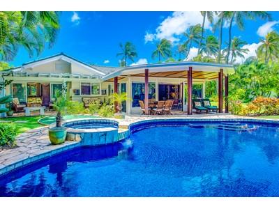 Maison unifamiliale for sales at Secluded Kaimalino 633 Kaimalino Street Kailua, Hawaii 96734 États-Unis