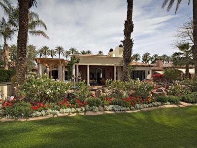 Einfamilienhaus for sales at Village Drive 56745 Village Drive La Quinta, Kalifornien 92253 Vereinigte Staaten