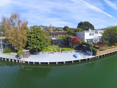 Maison unifamiliale for sales at Belvedere Lagoon 26 Cove Road Belvedere, California 94920 United States