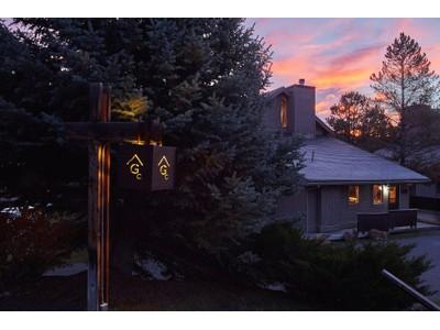 Condominio for sales at Glacier Condo 144 2565 Curley Bear Road Glacier 144  Big Sky, Montana 59716 Stati Uniti