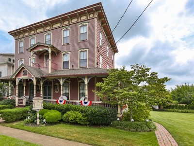 Tek Ailelik Ev for sales at Victorian Bed & Breakfast 417-419 Ocean Rd  Spring Lake, New Jersey 07762 Amerika Birleşik Devletleri